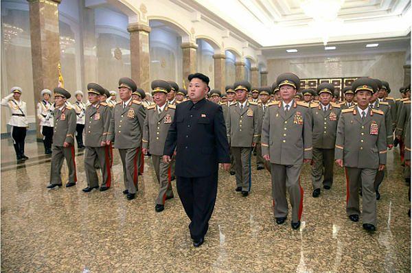 Kim Dzong Un, przywódca Korei Północnej wraz z