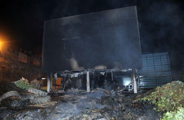 Spalony urząd podatkowy w Morlaix