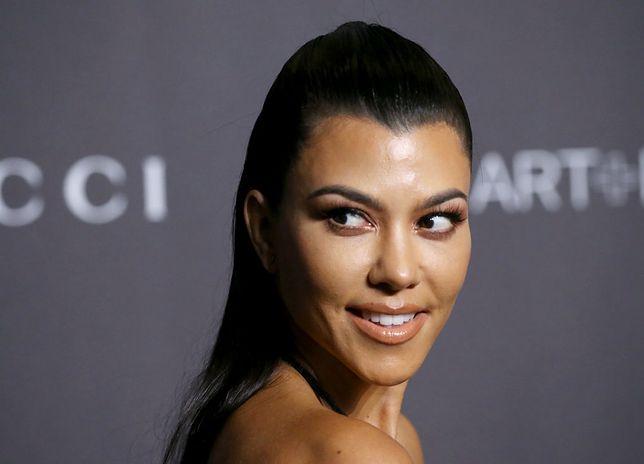 Kourtney Kardashian cieszy się popularnością w social mediach.