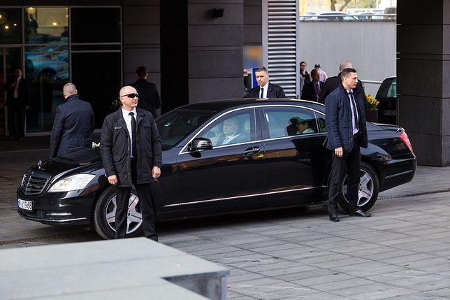 Rząd i podległe mu instytucje mają łącznie 4 tys. aut. Władza jeździ za nasze.