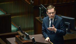Robert Winnicki krytykuje zmiany w ordynacji wyborczej zaproponowane przez PiS