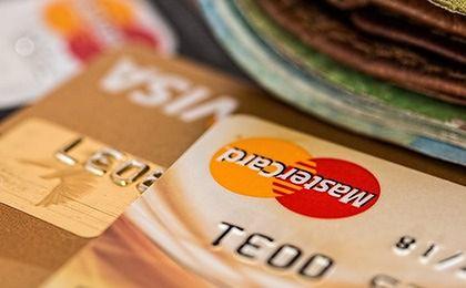 Ile można mieć kart kredytowych? Oto absolutny rekordzista