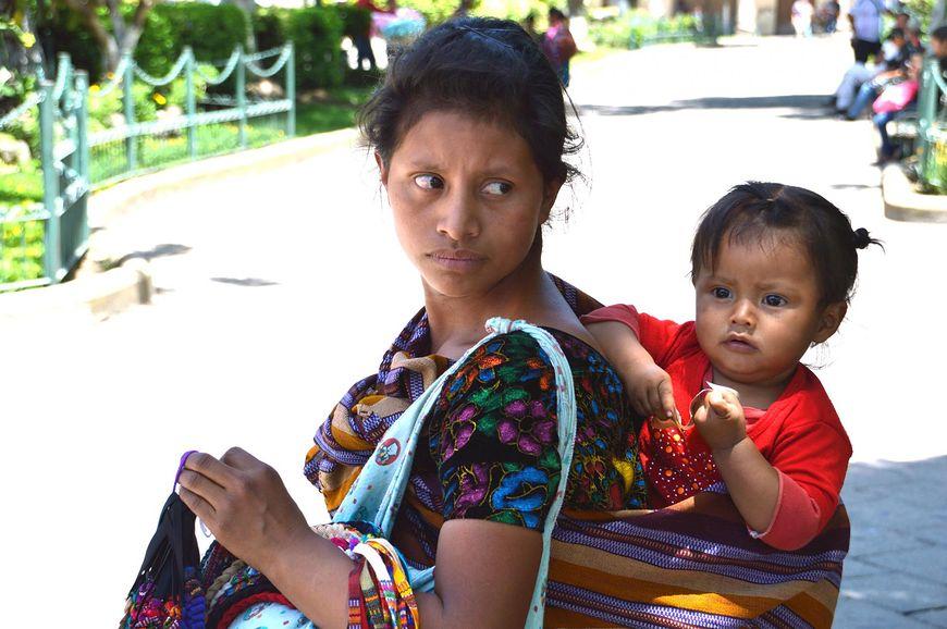 W Gwatemali dziecko po porodzie zanurza się w lodowatej wodzie