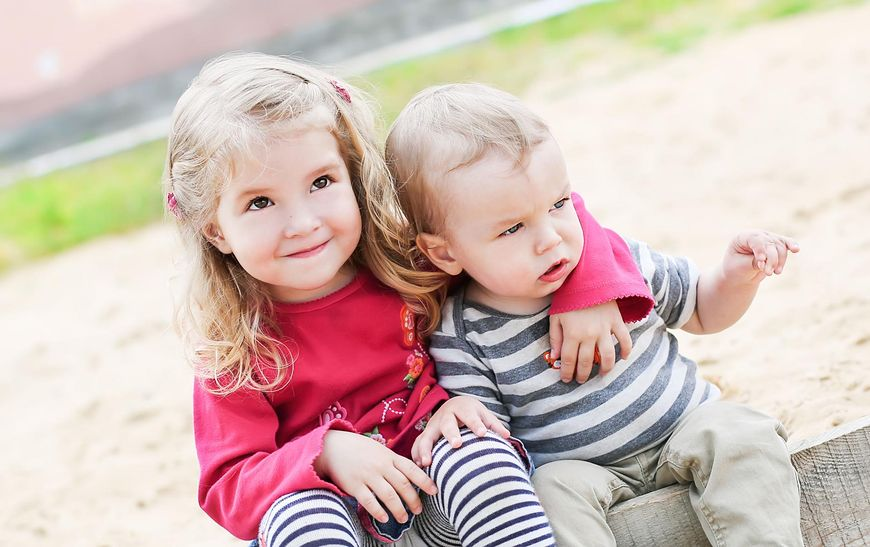 Rodzeństwo wnosi wiele do życia dzieci
