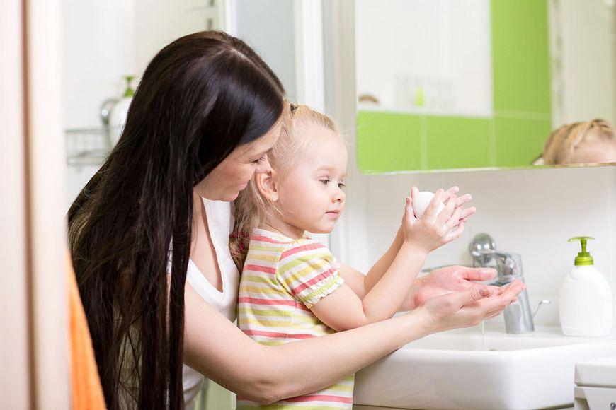 Wyrób w dziecku nawyk częstego mycia rąk
