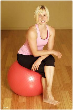 Ćwiczenia pomagają wrócić do formy. Które są najlepsze dla kobiet po cesarce?