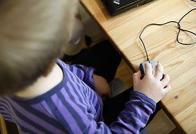Jak chronić dziecko przed zagrożeniami czyhającymi w sieci?