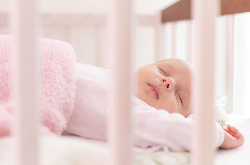 Bezpieczne i odpowiednie miejsce snu dla niemowlaka