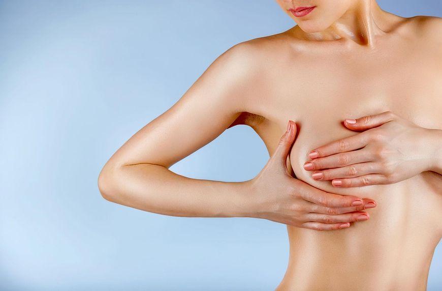 Zmiany w strukturze skóry oraz rozszerzenie się porów