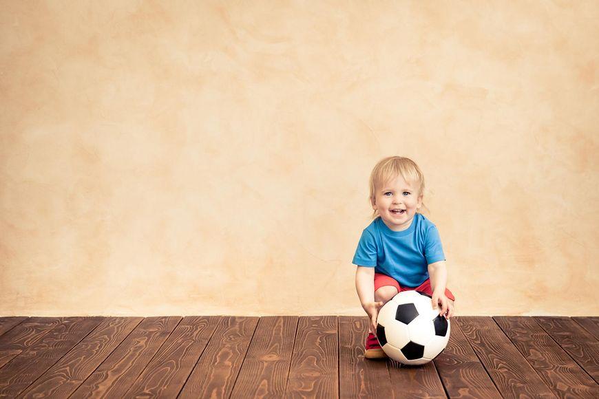 dziecko piłkarz [123rf.com]