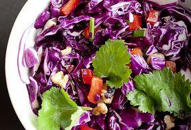 Sprawdź, jak szybko zrobić sałatkę z czerwonej kapusty