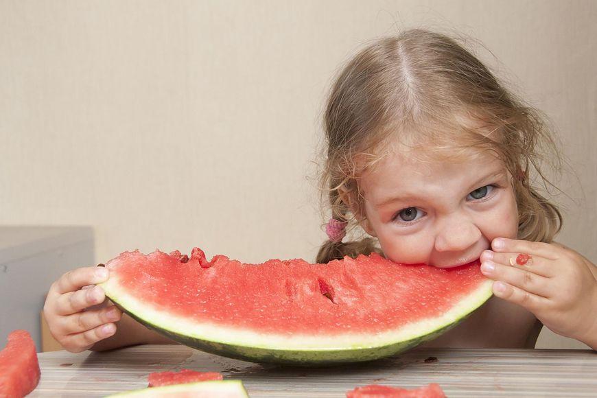 EWG opublikowało ranking najbardziej skażonych warzyw i owoców