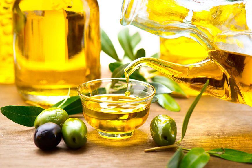 Oliwa jest pełna wielu kwasów tłuszczowych