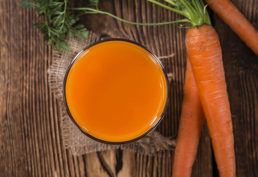 Zdrowy sok marchewkowy polecany jest od najmłodszych lat