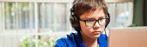 Poznaj 5 sposobów na odciągnięcie twojego dziecka od komputera