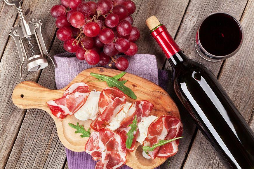 W winie znajduje się resweratrol - cenny związek wykazujący działanie przeciwutleniające