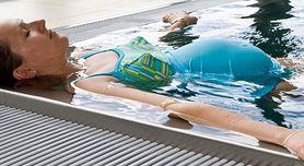 Poznaj powody, dla których przed porodem warto chodzić na basen!