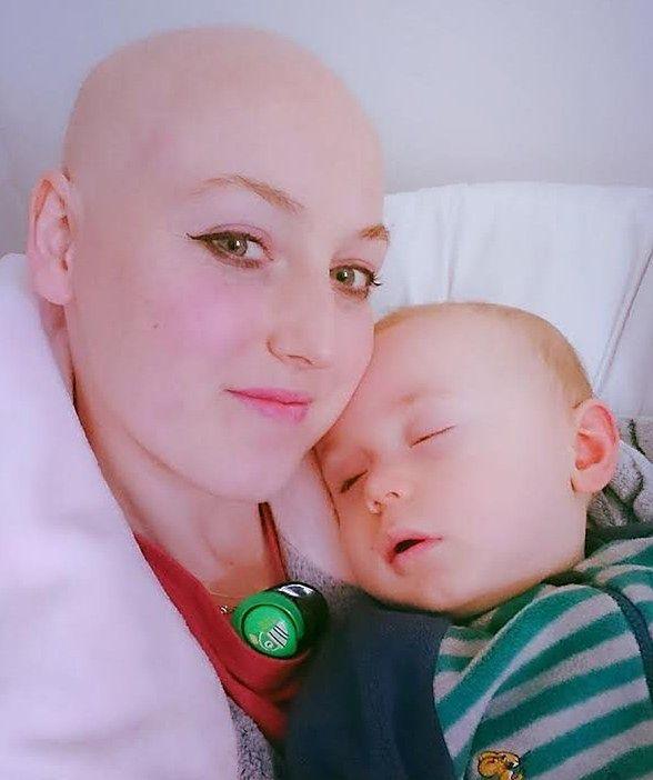 Okazało się, że Sarah ma raka piersi