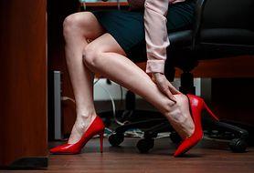 Zły tryb życia czy choroby układu krążenia? Najczęstsze przyczyny opuchniętych kostek