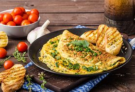 Omlet owsiany – przepisy na pyszne i dietetyczne śniadania