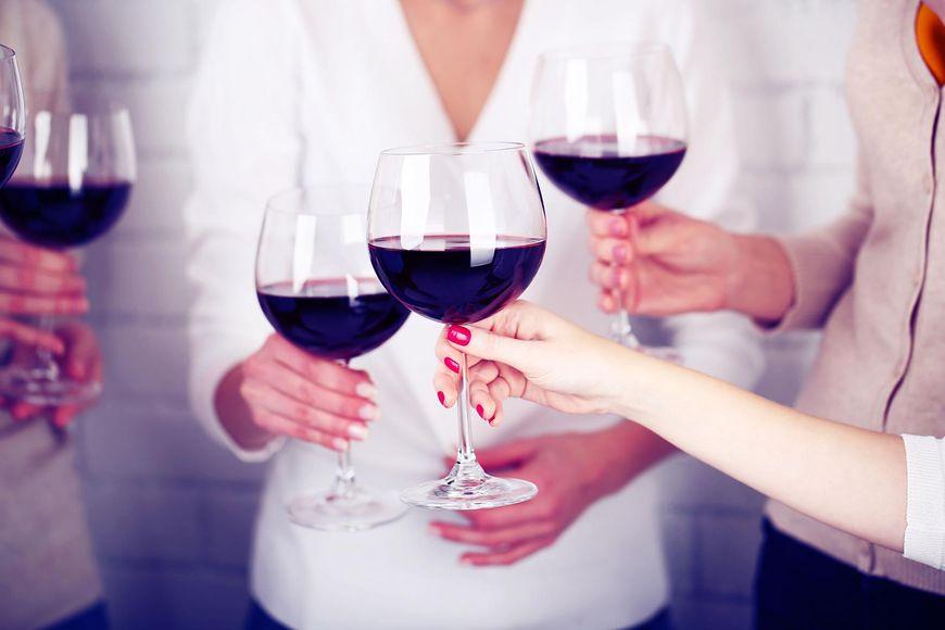 Czerwone wino powoduje rumień