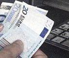 Kartą czy gotówką? O tym czym płacić za granica żeby nie przepłacić