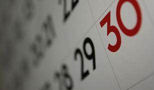 Dni wolne od pracy w 2018 r. Kiedy brać urlop, by wydłużyć wolne?