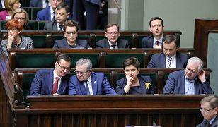 """Konflikt w rządzie wokół """"piątki Kaczyńskiego""""? Jarosław Gowin komentuje"""