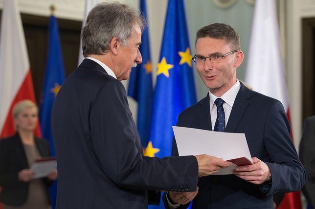 Afera z udziałem posła PiS Konrada Głębockiego. Kancelaria Sejmu wydała kuriozalne oświadczenie