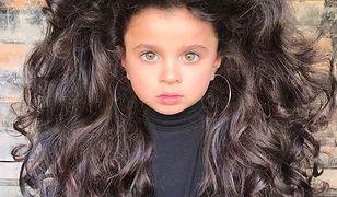 5-latka gwiazdą Instagrama. Przez burzę loków