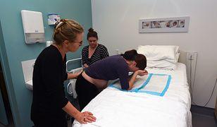 Koronawirus. Francuzki są zmuszane do porodów w maskach
