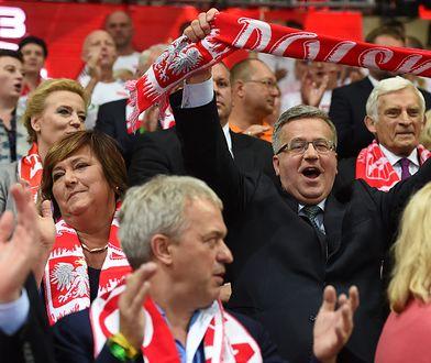 Bronisław Komorowski zaprasza na wspólne oglądanie meczu... w hotelu