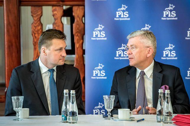 """""""Seksposeł"""" Łukasz Zbonikowski na spotkaniu ze Stanisławem Karczewskim. Marszałkowi to nie przeszkadzało"""