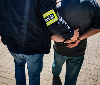 Białystok. 71-latek aresztowany. Włamał się i okradł mieszkanie