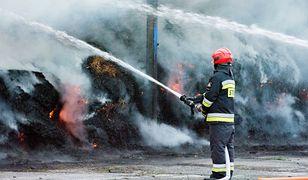 Strażacy ochotnicy podpalali, by zarobić? Ruszył proces