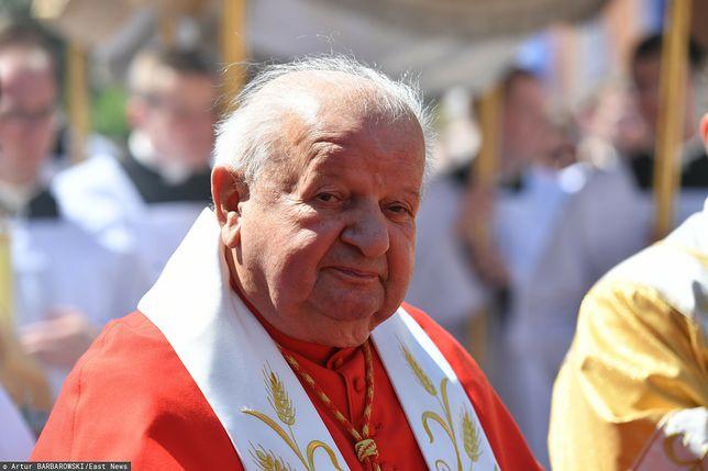 Kardynał Dziwisz, jak pokazuje reportaż TVN24, był promotorem księdza Króla w Michigan