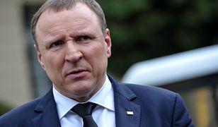 """Jacek Kurski wprowadza zmiany programowe w TVP. Medioznawca: """"PiS merda ogonkiem do Kościoła"""""""