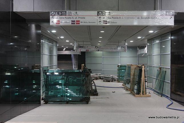 Nowy system informacji pasażerskiej na nowych stacjach metra