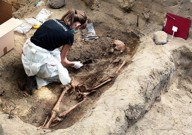 Kraków: znaleziono ludzkie szczątki. Mogą należeć do ofiary komunistycznego terroru