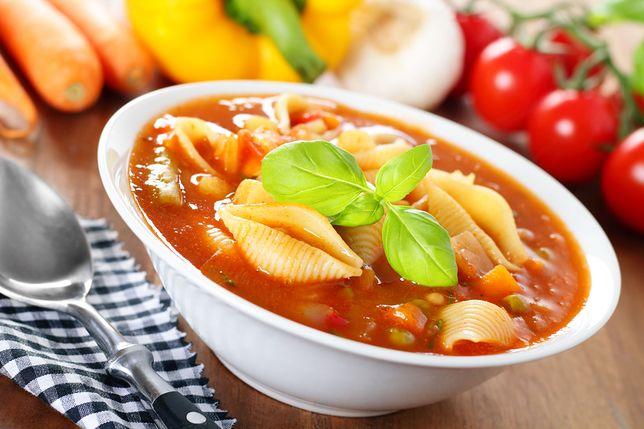 Zupa pomidorowa może być jeszcze smaczniejsza.