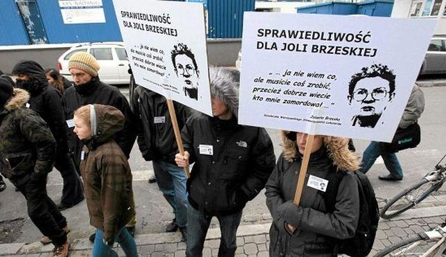 """""""Kto zatarł ślady morderstwa Jolanty Brzeskiej?"""" Demonstracja przed KSP"""