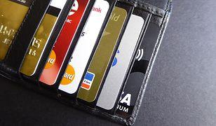 W portfelu kod PIN razem z kartą płatniczą? Co piąta Polka tak robi!