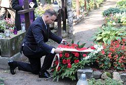 30. rocznica powołania rządu Tadeusza Mazowieckiego. Andrzej Duda złożył winiec na grobie