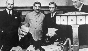 """80. rocznica paktu Ribbentrop-Mołotow. """"Skazał połowę Europy na dziesięciolecia nieszczęścia"""""""