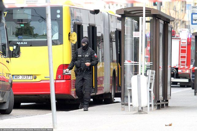 Trzy lata temu student wniósł do autobusu we Wrocławiu bombę w paczce. - Dlatego tak się boimy tej akcji - mówią kierowcy z MPK