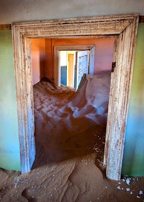 Kolmanskop - wioska duchów w Namibii
