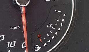 Hypermiling pozwala zmniejszyć zużycie paliwa. Poznaj najważniejsze zasady