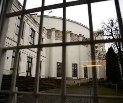 Dlaczego dziennikarze nie mogą wejść do Sejmu? Kancelaria wyjaśnia