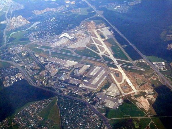 Lotnisko Wnukowo widziane z lotu ptaka