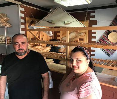 Sklava i jego żona Zhana prowadzą piekarnię